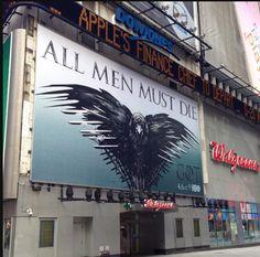 4ª temporada de Game of Thrones em outdoor na Times Square (NY). Faltam 33 dias!