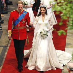 Royal Wedding Guests Outfits, Royal Wedding Themes, Royal Wedding Gowns, Royal Weddings, Royal Wedding Cakes, Celebrity Wedding Gowns, Wedding Tiaras, Royal Brides, Style Kate Middleton