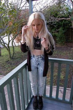 Love it, love the 90's....I neeeed to find a pair of acid washed high waisted jeans.
