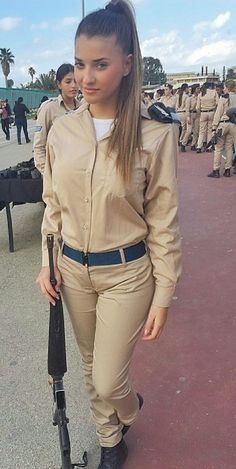 Beautiful female army soldiers the army is a great career choice for women. Stunning Army Women With & Without Uniform Looking Hot Female Army. Female Army Soldier, Israeli Female Soldiers, Military Soldier, Idf Women, Military Women, Hot Brazilian Women, Mädchen In Uniform, Air Force Women, Swedish Women