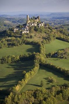 Limousin countryside is the second least populated French region. Wonderful Places, Great Places, Places To See, Beautiful Places, Belle France, Poitou Charentes, Beaux Villages, Dordogne, French Countryside