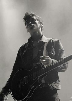 Alex turner sexy duck face