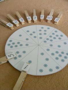 Learn to count and practice matching the numeral to the correct number of snowflakes on the wheel http://www.notimeforflashcards.com/ #Math #Tutors