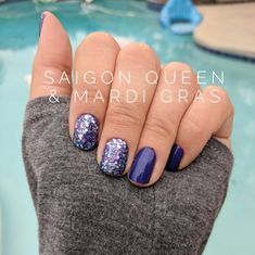 Color Street Nail Polish strips are nail poli. Color Street Nail Polish strips are nail polish, easy application, no required tools! Saigon Queen and Mardi Gras is the perfect combo for Pantone& 2018 color of the year lovers, purple! Glam Nails, Beauty Nails, Cute Nails, Bling Nails, Glitter Nails, Nail Polish Strips, Nail Polish Colors, Mardi Gras, Nail Color Combos