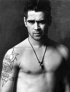 Colin Farrell tattoos - Right arm tattoo Hottest Male Celebrity Tattoos) Chanel Iman, Robbie Williams, Colin Farrell, Lenny Kravitz, Nicole Richie, Jared Leto, Johnny Depp, Hottest Male Celebrities, Hot Men