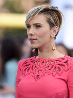 Scarlett Johansson Photos: 2015 MTV Movie Awards