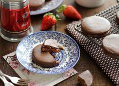 Juditka konyhája: ~ EPERLEKVÁROS KAKAÓS ISLER ~ Panna Cotta, Fours, Pudding, Ethnic Recipes, Dulce De Leche, Custard Pudding, Puddings, Avocado Pudding