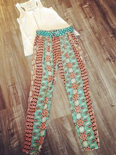 Get ready for #spring #printed pants #colorful #socool #style #fashion #warmweather #shop #SocietyFemme