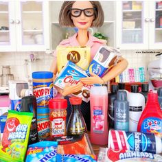 Zuru 5 Surprise Mini Brands are trending on social media because everyone is obsessed with miniature versions of their favorite brands. Sewing Doll Clothes, Doll Clothes Barbie, Barbie Toys, Barbie I, Barbie World, Barbie And Ken, Barbie Stuff, Pictures Of Barbie Dolls, Miniature Crafts
