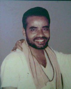 Rare Pictures of Prime Minister Narendra Modi Living as a Sadhu Rare Images, Rare Pictures, Rare Photos, Modi Narendra, Buddha Quotes Life, Indian Army Wallpapers, Calming Pictures, Childhood Images, Brother And Sister Love