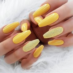 25 Stiletto Nailsl Arts for Creative Person - Stylish Nails - Nageldesign Yellow Nails Design, Yellow Nail Art, Cute Nails, Pretty Nails, My Nails, Nail Swag, Best Acrylic Nails, Acrylic Nail Designs, Glitter Accent Nails
