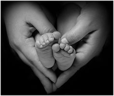 https://flic.kr/p/7ForGN | Baby Feet in my Heart | Baby feet on her motheres hands...