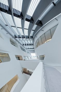 Library and Learning Centre University of Economics Vienna,© Iwan Baan