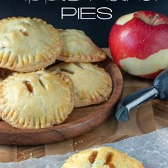 Then make these easy apple hand pies with a bit of caramel Cooking on the Front Burner Apple Desserts, Fall Desserts, Apple Recipes, Just Desserts, Fall Recipes, Dessert Recipes, Health Desserts, Apple Hand Pies, Mini Apple Pies