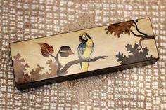 Para um pai mais refinado, escolhemos como sugestão esse maravilhoso porta caneta de marchetaria com cores totalmente naturais.   Veja onde adquirir nossas peças em http://www.fuchic.com.br/#!enderecosfuchic/cq3z  //   For a fancy father we chose that wonderful marquetry pen holder with all natural colors as a suggestion.  See where to get our products: http://www.fuchic.com.br/#!enderecosfuchic/cq3z