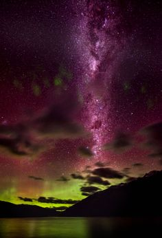Aurora & Milky Way over Lake Wakatipu, Queenstown, New Zealand ~ All Nature, Science And Nature, Amazing Nature, Beautiful Sky, Beautiful World, Beautiful Places, Beautiful Lights, Wonders Of The World, In This World
