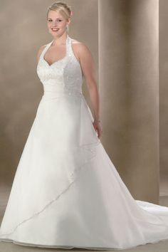 Hot Selling Plus Size Wedding Dresses A Line Halter Court Train Organza