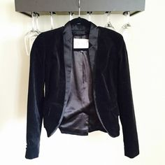 RACHEL ROY black Velvet blazer Re poshing a blazer I bought and never wore. Perfect condition and hook closure at front. Excellent polished, fitted look Rachel Roy Jackets & Coats Blazers