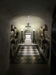 Louis Antoine d'Artois, duc d' ANGOULÊME - Tombes Sépultures dans les cimetières et autres lieux. Photo Marie Beleyme.http://www.tombes-sepultures.com/crbst_575.html