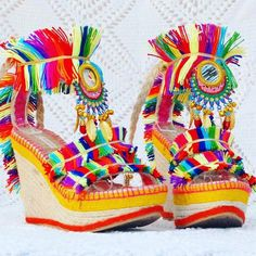 Bohemian sandals are extraordinary approach to focus on a couple of ravishing legs or basically make a design explanation. So search for shoes and shoes with… Business Outfits, Business Style, Business Fashion, Bohemian Sandals, Boho Shoes, Bohemian Look, Boho Chic, Hippie Bohemian, Colorful Fashion
