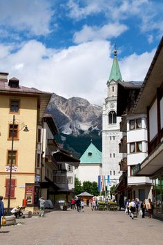 Cortina d'Ampezzo - Italy (by BriYYZ)