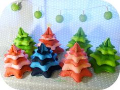 It's Beginning to Look A Lot Like Christmas: November 2012 Felt Tree to go in the decorated flower pots for grandparents