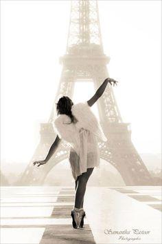 Ángel in Paris