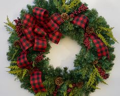22 Charming Outdoor Christmas Tree Decorations You Must Try this Year - The Trending House Christmas Red Truck, Plaid Christmas, Rustic Christmas, Simple Christmas, Grapevine Christmas, Christmas Ideas, Grapevine Wreath, Best Outdoor Christmas Decorations, Christmas Wreaths For Front Door