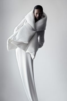 Soft Sculptural Fashion - white jacket design with padded 3D structure; shape & volume // Qiu Hao