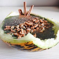 Today my breakfast came in a boat  melon/cinnamon green smoothie. #healthyeating #healthyliving #plantbased #vegan #veganistanbul #saglikliyasam #sagliklibeslenme #istanbul #expatlife #vidasana #desayunosaludable #desayunofit #happyhealthy