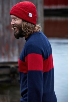 Two companies from neighboring countries joined forces to create a collection inspired by the archipelago province of Åland and its long maritime history. Importance Of Peace, Gift Card Shop, Two's Company, Baltic Sea, Archipelago, Marine Life, Road Trip, Winter Hats, Product Launch