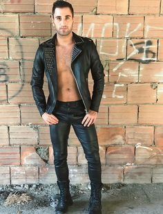 It feels awesome qctually knowing people who get passed around internet like sauté fish tacos Black Leather Biker Jacket, Leather Trousers, Men's Leather, Denim Fashion, Leather Fashion, Cool Boots, Mens Clothing Styles, Sexy Outfits, Men Dress
