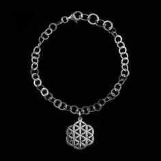 E-Shop Natura jewels  Květ života Kod: BRFOL01  Náramek Květ života symbol posvátné geometrie  je vyroben z kvalitního a masivního rhodiovaného stříbra 925 Prumer mandaly 1,8cm 1250,-Kc