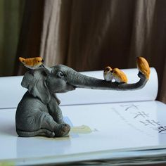 Cute Elephant Statues Home Decoration - Home Atomic presents Cute Baby Elephant for home decoration. Informations About Cute Elephant Statue - Cute Baby Elephant, Elephant Art, Elephant Sculpture, Animal Sculptures, Sculpture Art, Baby Elefant, Clay Art, Ceramic Art, Cute Babies