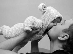 baby kisses are the best.