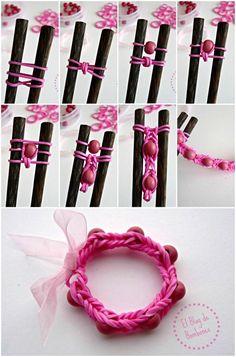 Loom bands bracelets with beads - Machines et élastiques : http://www.creactivites.com/268-elastiques-loom