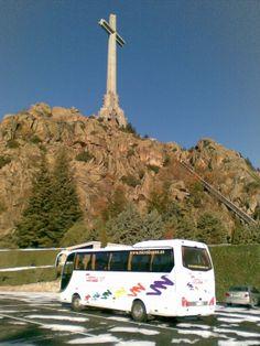 Bus 35 plazas de excursion en el Valle de los Caidos #Madrid Plaza, Madrid, Vehicles, Falling Down, Events, Viajes, Car, Vehicle, Tools