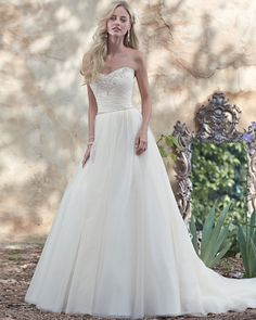 Glamorous Scoop Neckline Wedding Dress Gorgeous Ruched Tulle Bodice Tulle Skirt Accents Waistcrystal Zipper Inner Corset Closure