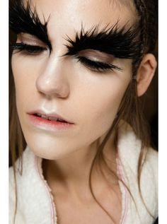maquillaje alexander mcqueen - Buscar con Google