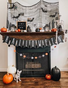 Soirée Halloween, Halloween Wall Decor, Diy Halloween Decorations, Holidays Halloween, Women Halloween, Halloween Makeup, Outdoor Decorations, Halloween Projects, Halloween Costumes
