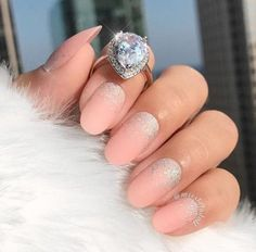 ideas-glitter-ombre-nails-medium-length-oval-shape-matte-beige-base-siver Best of 2018 Glitter Ombre Nails Trends Nail Art Glitter Ombre Nails Trends Matte Nail Art, Pink Nail Art, Pink Nails, Oval Nails, Acrylic Nails, Sparkle Nail Polish, Glitter Nails, Nail Pictures, Nail Length