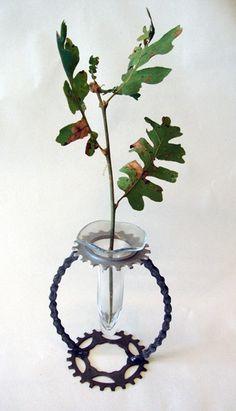 Bike chain vase