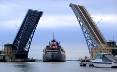 Canadian Freighter in Lorain, Ohio jigsaw puzzle in Bridges puzzles on TheJigsawPuzzles.com