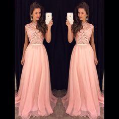 """""""Coleção nova de vestidos longos!!!! Amores além da nossa mega liquidação que está um sucesso, recebemos hoje uma coleção nova de vestido longos!!! São…"""""""