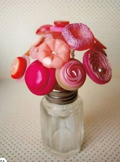 Button flowerheads..perfect for the vintage button collector!