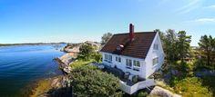 Summer cabin Coastal Cottage, Coastal Homes, Balcony Garden, Balconies, European Style, Porches, Cabins, Cottages, Danish