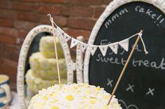 Delicate Lace Daisy Cake