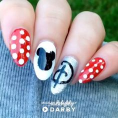 Nail art is a very popular trend these days and every woman you meet seems to have beautiful nails. It used to be that women would just go get a manicure or pedicure to get their nails trimmed and shaped with just a few coats of plain nail polish. Nailart Disney, Disney Manicure, Nail Manicure, Manicure Ideas, Diy Ongles, Nail Polish, Nail Art Videos, Super Nails, Acrylic Nail Art