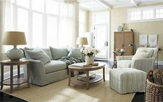 Design for a Casual Look Living Room for your Home.  Get Design Tips & Ideas for a Modern Living Room at http://www.constructionmarkets.com/decor/10_design_ideas_for_a_modern_living_room