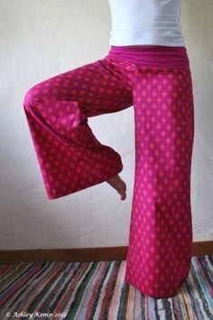 Perfect loose yoga pants. Tights #loose #y ..